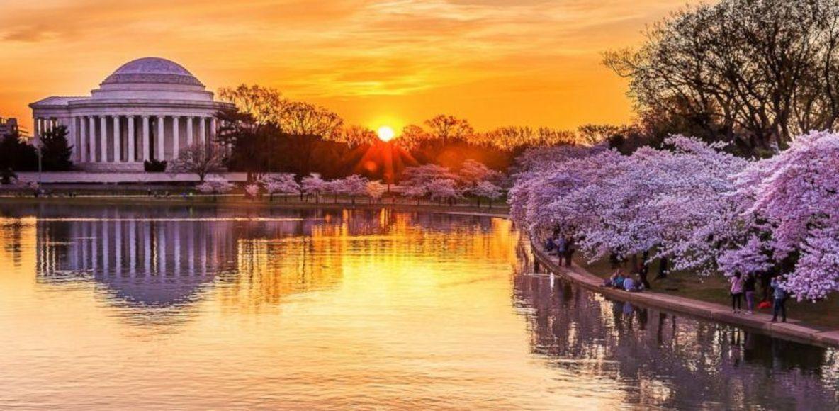 Bahar aylarında Jefferson Memorial